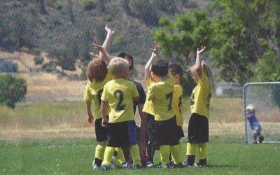 Fußballer/-innen gesucht
